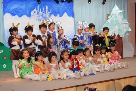 2015.2  ひな祭りおゆうぎ会(午後の部) きく1 ことば劇「雪の女王」