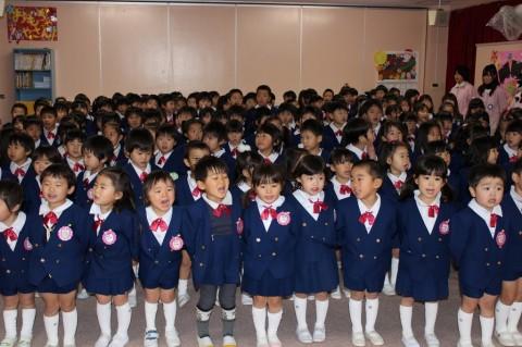 平成25年度 クリスマス会 子どもたちは朝から「クリスマス会」が待ち遠しい様子!!最初にみんなでクリスマスのうたを歌いました★