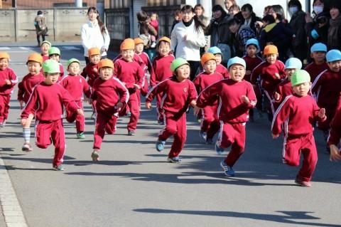 マラソン大会(1) 次は、ゆりぐみ男の子スタート!!★