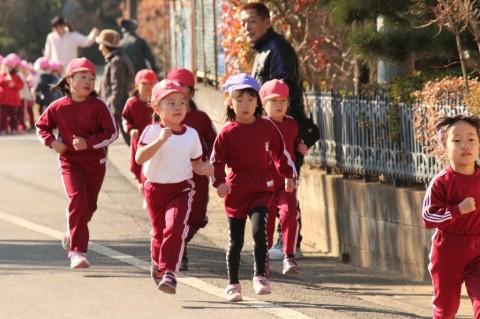 マラソン大会(2) 幼稚園まであと少し!!頑張れ~~!!