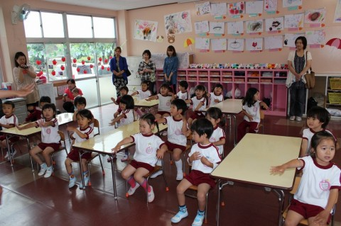 保育参観(ももぐみ) ちょっぴり緊張の保育参観!幼稚園ではこんなことをしています・・・