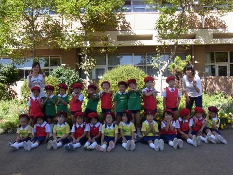鶴西祭鼓隊(鶴ヶ島市立西中学校にて) 演奏の前にみんなでパチリ!!  きく1