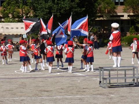 鶴西祭鼓隊(鶴ヶ島市立西中学校にて) しっかり旗をふれたかな??