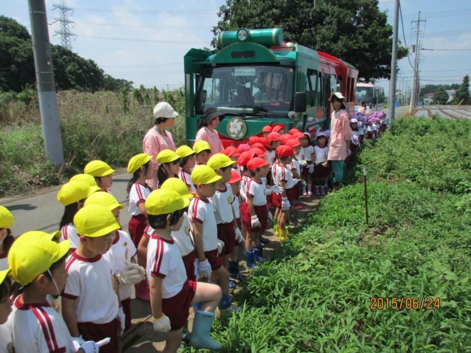 6月24日ジャガイモ掘り ジャガイモ畑に到着しました。