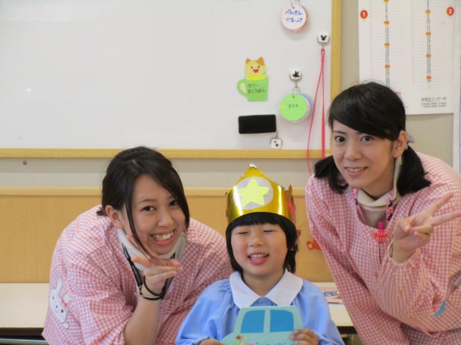 28年度4月誕生会 年中さんの4月生まれは2名でしたが1名休みでした。
