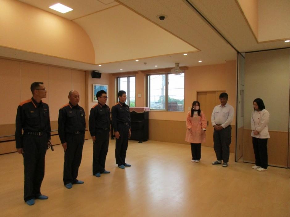 28年度救急講習会 坂戸・鶴ヶ島消防組合の救急士さんの説明で救急講習を行いました。