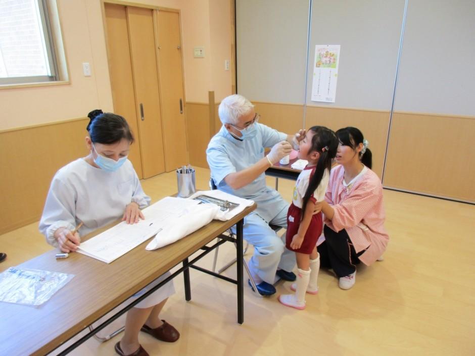 歯科検診5月12日 きく組さんはさすがにお兄さん、お姉さんになったので上手に診てもらえましたね。