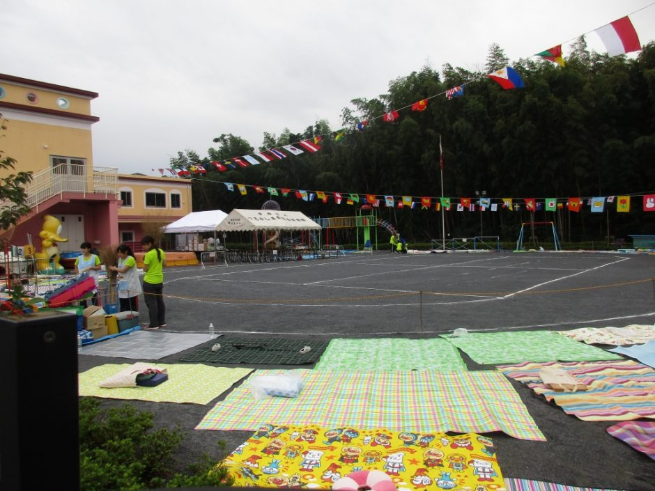 28年運動会が開催されました 曇り空の中10月1日行われました。