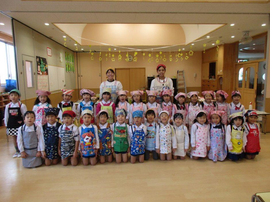 12月 お誕生会 ばら組さん、お家でもお手伝いしてみてくださいね(^^)