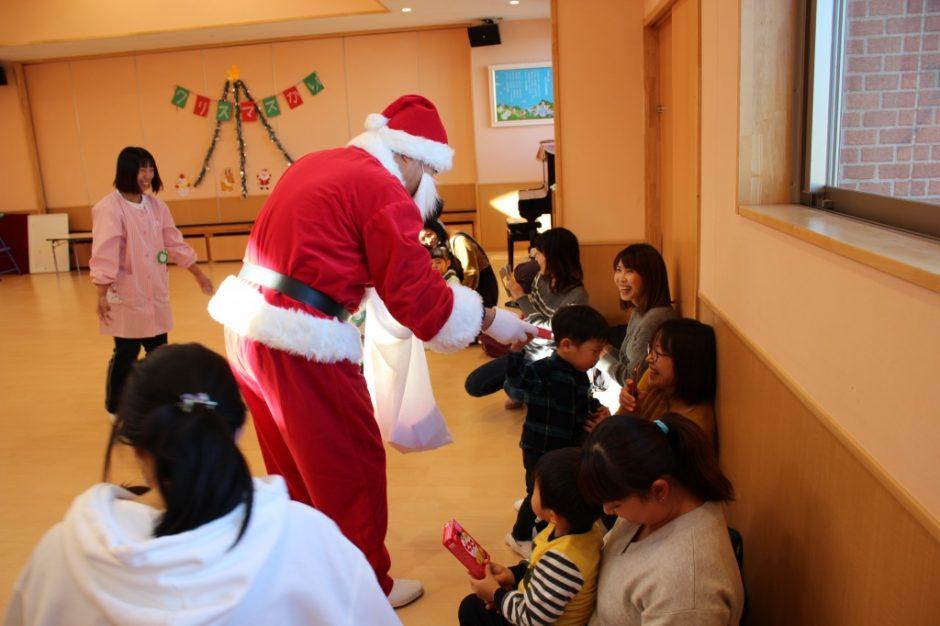 バンビクラブ クリスマス会 お家に帰ったら食べてくださいね(^^)