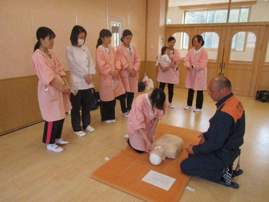 救急講習 職員一同、今年も怪我のないよう細心の注意を払います。
