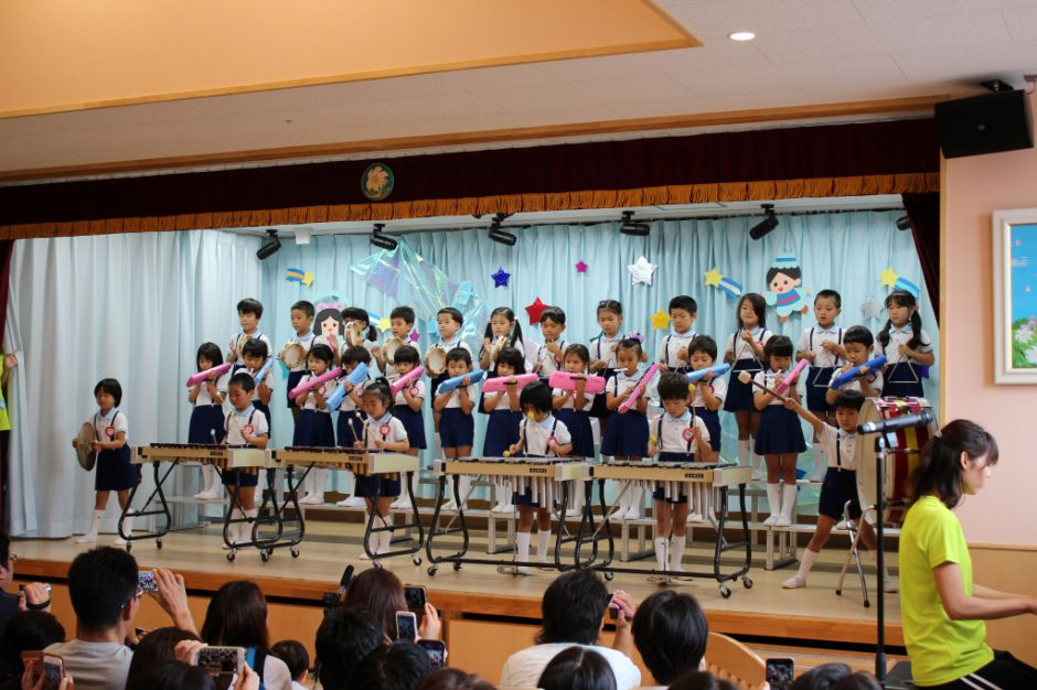 七夕お楽しみ会 午前の部 ばら組さん合奏「おもちゃの兵隊の行進」