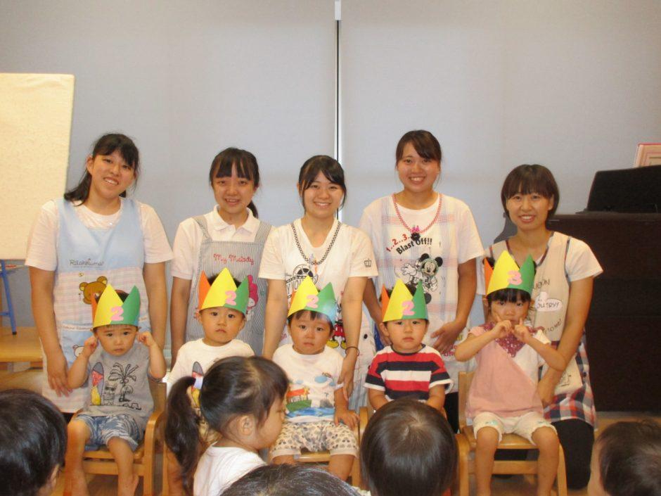 8月 保育園部お誕生会 8月19日に、保育園部さんで5人のお友達のお誕生会が行われました♪