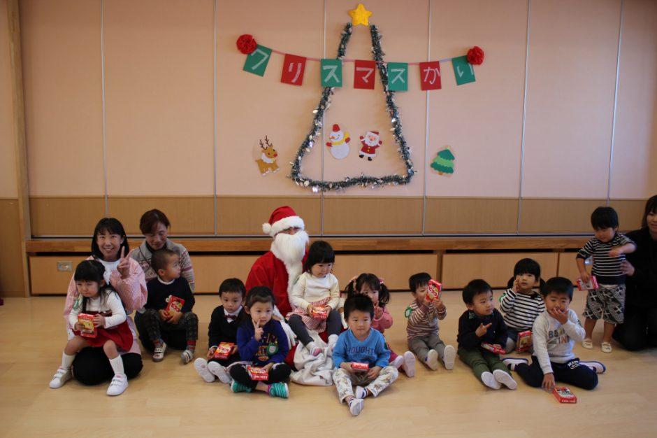 バンビクラブ クリスマス会 サンタさんといっしょに「はい、チーズ☆彡」