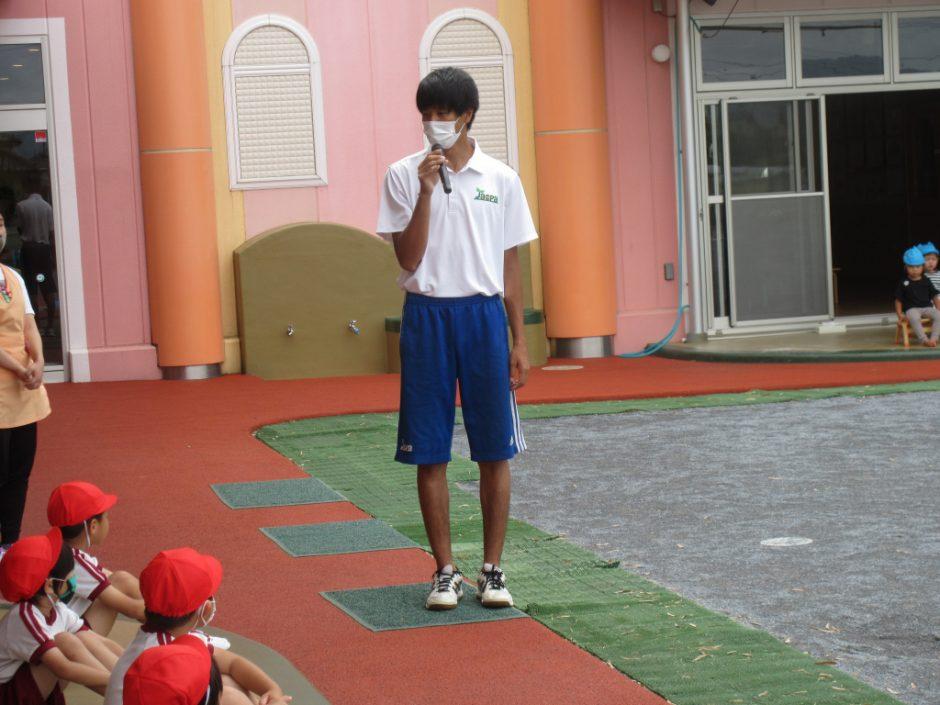 6/23にプール開きをしました♪ 岡﨑先生から、大事なお約束のお話です☆彡
