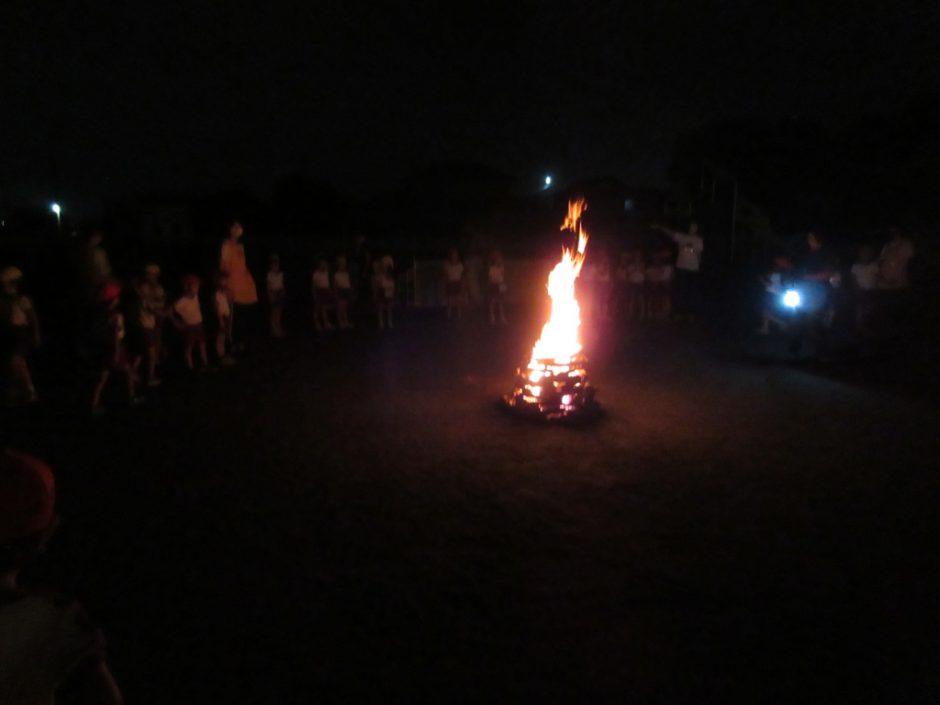 おほしさま☆彡の会 みんなで大きな火を囲んで、わくわく感が高まります↑↑