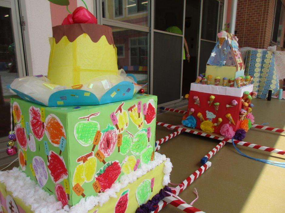 【幼稚園部】8/28に夏祭りを行いました♪ 年少さんのお神輿は、プリンがとっても美味しそうと評判でした(*´▽`*)
