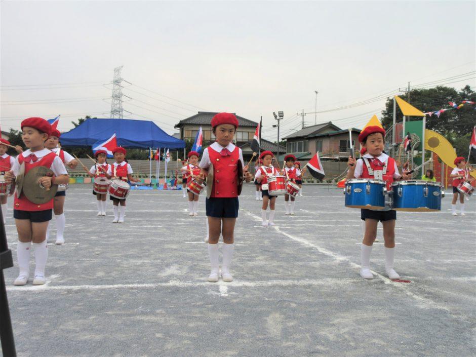 幼稚園部 運動会 素敵な衣装を身にまとい、立派な演奏です!