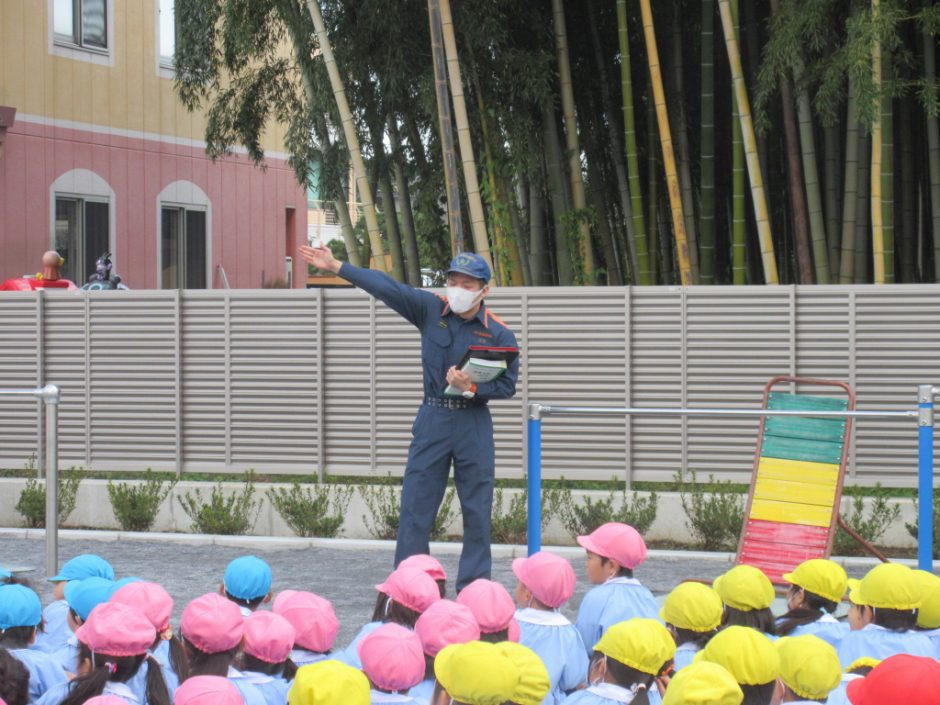 防火講習を行いました! 鶴ヶ島の消防士さんが講習に来てくださいました。「おかしもちぽ」知っていますか~?