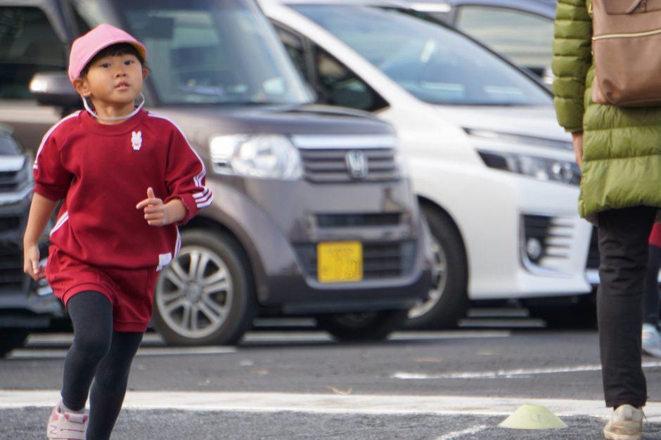 マラソン大会 年中さん女の子1番です☆彡  今日までみんなたくさん練習してきました☆