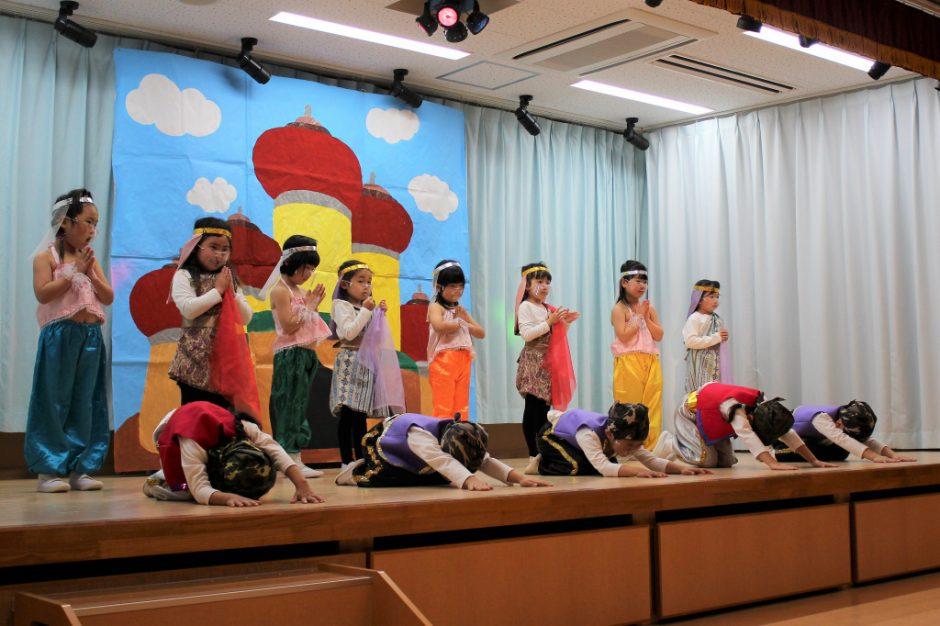 ひな祭りお遊戯会 年中 ゆり組さん 劇「ひらけゴマ!アリババととうぞく」