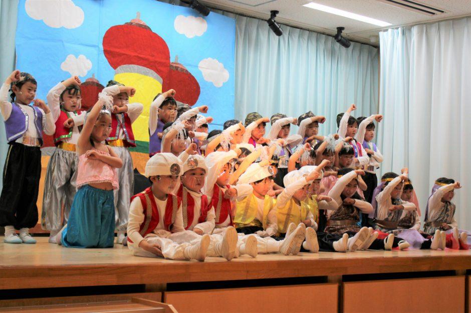 ひな祭りお遊戯会 年中 ゆり組さん 最後のポーズも挨拶も元気いっぱいで素敵でした♪