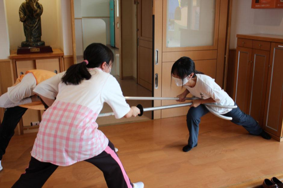 避難訓練を行いました 先生方ものすごい力で壁へ追い込み取り押さえました!!  お疲れさまでした( ˘ω˘ )