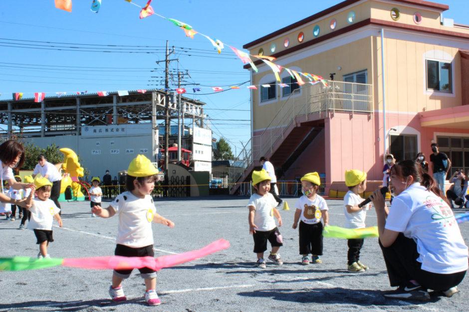 10月2日 運動会 保育園部 ゴールの前で立ち止まる子もいたりでしたがみんなかわいくゴールです(*^▽^*)