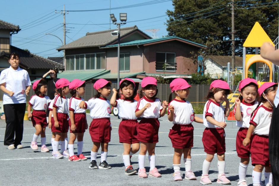 10月2日 運動会 年少ぐみ 年少ぐみの運動会のスタートです! 初めての運動会にドキドキの年少さん(^^♪ たくさん楽しんでね☆
