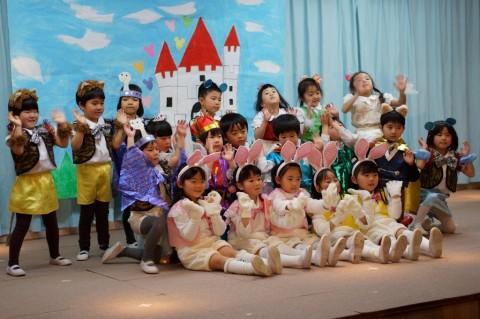 ひな祭りおゆうぎ会(午前の部) ゆり1 劇 「長靴を履いたネコ」