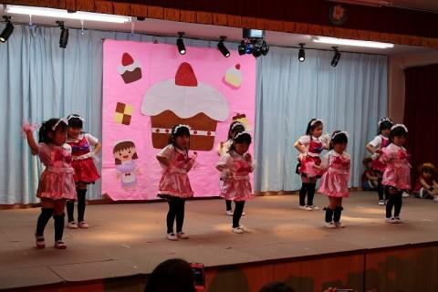 2015.2  ひな祭りおゆうぎ会(午後の部) もも1 ゆうぎ 女の子