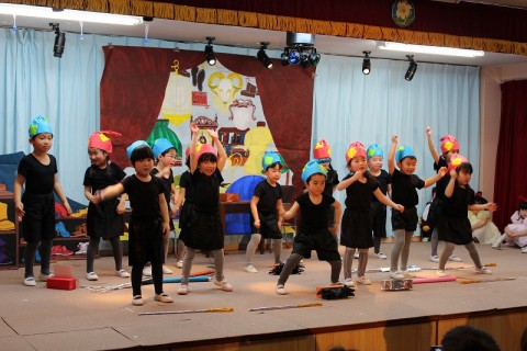 2015.2  ひな祭りおゆうぎ会(午後の部) ゆり3 劇「こびとの靴屋」