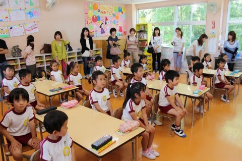 保育参観(きく) 3日目でやっと晴れた保育参観!ちょっぴり緊張気味の子どもたちです!