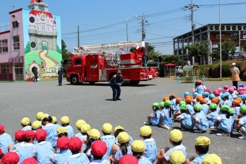 防火講習 平成26年度 今日は、坂戸・鶴ヶ島消防署の指導の下「防火講習」が行われました。