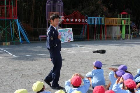 11月11日に交通安全教室が開かれました! 命の大切さのお話をしてくださいました。