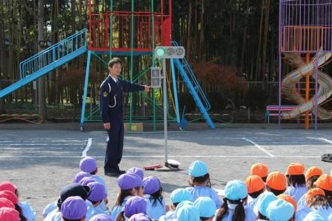 11月11日に交通安全教室が開かれました! お約束の確認もしました!