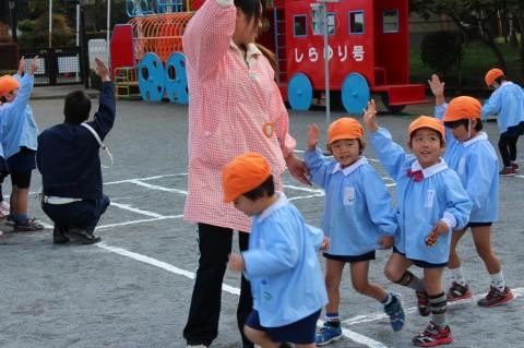 11月11日に交通安全教室が開かれました! みんなしっかりできました!