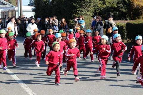 マラソン大会(1) なぜか、みんな楽しそう~~??!!
