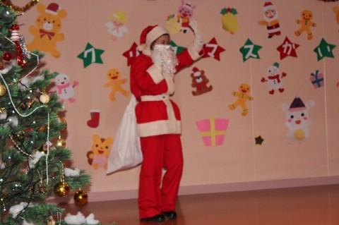 クリスマス会 今年もサンタさんが来てくれました~~! はて?さて?今年のサンタは??