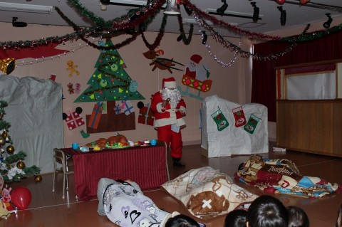 2014 クリスマス会 お待ちかねのサンタクロース!! プレゼントも頂きました~~楽しいクリスマス会も無事終了!★☆