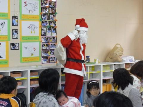"""バンビクラブ クリスマス会 バンビクラブのクリスマス会に一足早く""""サンタさん""""登場!!"""