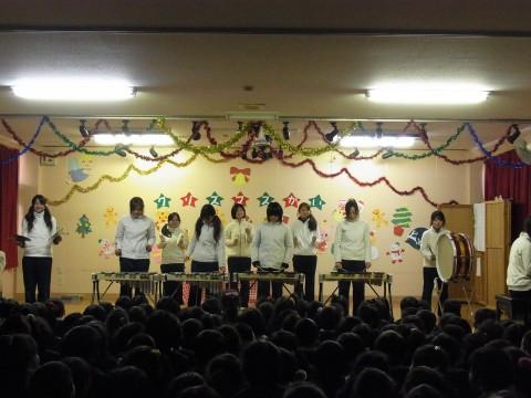 クリスマス会 「合奏」あり・・・まずは全員で「クリスマスソング」!!